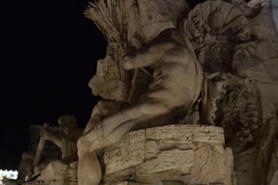 La fontana dei Quattro fiumi in piazza Navona - Roma