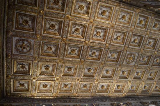 Il soffitto a cassettoni della basilica di Santa Maria Maggiore - Roma