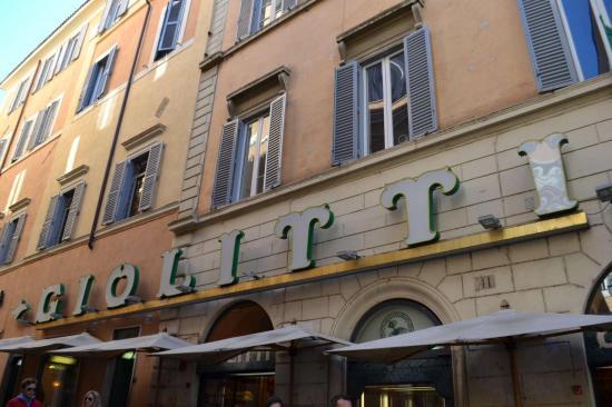 La famosa gelateria e pasticceria romana: Giolitti