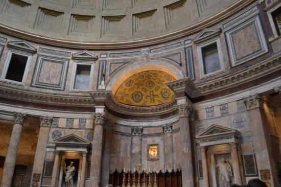 L'interno del Pantheon - Roma