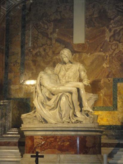 La Pietà di Michelangelo nella basilica di San Pietro