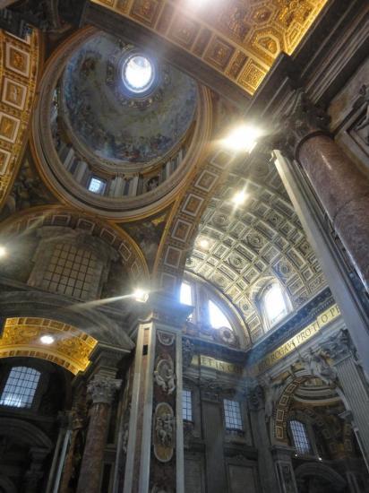 Interno della basilica di San Pietro