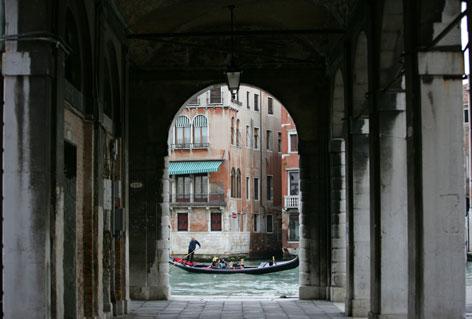 Sottoportego a Venezia