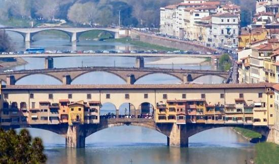 I ponti di Firenze sull'Arno