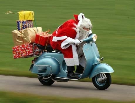 Babbo Natale in Vespa