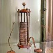 Chi ha inventato la pila elettrica?
